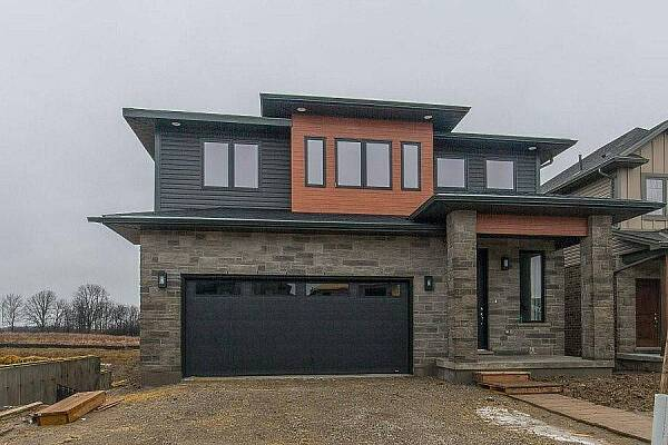 17 Armstrong Street, Mount Brydges, Ontario