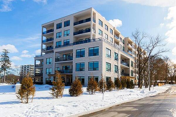 1200 Commissioners Rd #709, London, Ontario