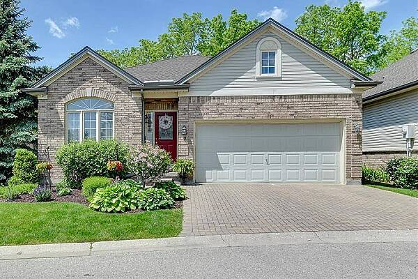 681 Commissioners Rd #9, London, Ontario