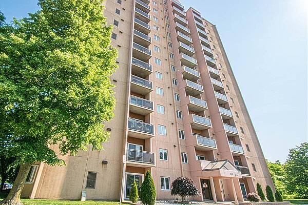 860 Commissioners Rd East #402, London, Ontario