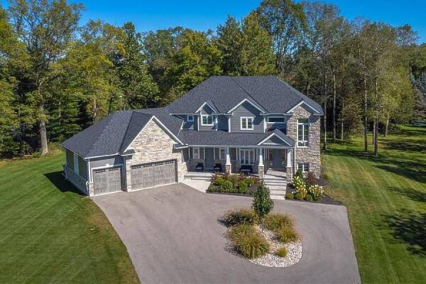 22248 Mill Rd, Mount Brydges, Ontario